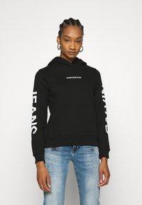 Calvin Klein Jeans - HOODIE - Hoodie - black - 0
