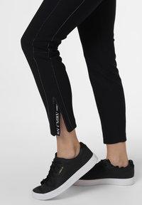 Cambio - Trousers - marine - 2