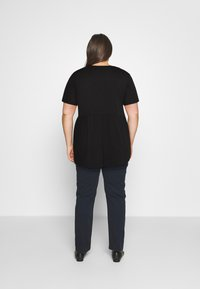 Missguided Plus - PLUS SMOCK - Print T-shirt - black - 2