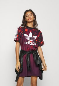 adidas Originals - GRAPHICS SPORTS INSPIRED REGULAR DRESS - Jerseykjoler - multicolor - 4