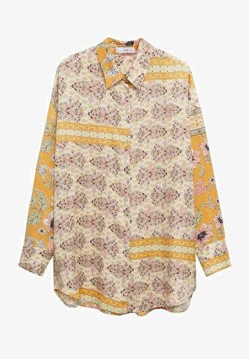 OVERSIZE ESTAMPADA - Button-down blouse - ocre
