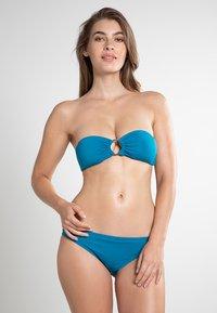 MICHAEL Michael Kors - ICONIC SOLIDS - Bikini top - teal - 0