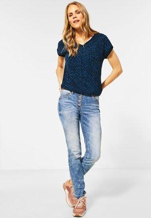MIT LEOMUSTER - Print T-shirt - blau