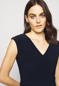 Lauren Ralph Lauren - BONDED DRESS - Pouzdrové šaty - lighthouse navy - 3