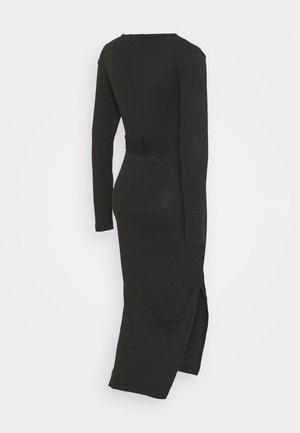 BELT SIDE SPLIT MIDI DRESS - Vestido de punto - black