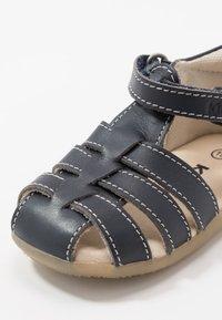 Kickers - BIGFLO - Vauvan kengät - marine fonce - 5
