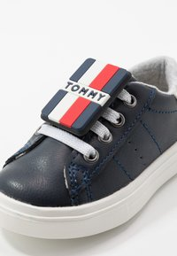 Tommy Hilfiger - Trainers - blue/white - 2