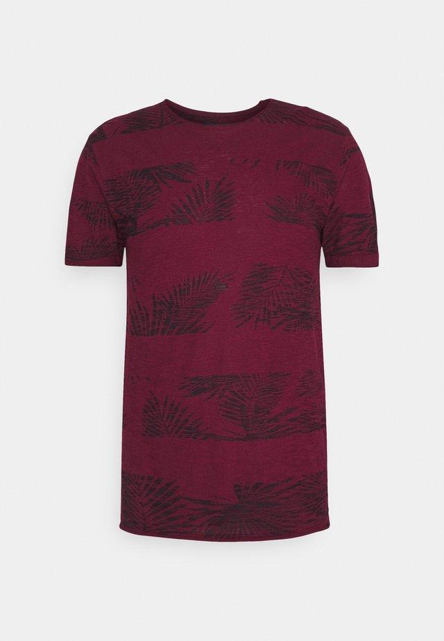 ALLEN - Print T-shirt - bordaux
