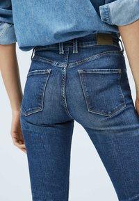 Pepe Jeans - VICTORIA - Slim fit jeans - blue denim - 3