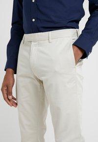 Polo Ralph Lauren - FLAT PANT - Broek - sand - 3