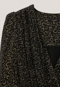 Massimo Dutti - MIT SCHULTERPOLSTERN - Day dress - black - 5