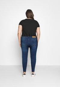 Noisy May Curve - NMAGNES - Jeans Skinny Fit - medium blue denim - 2
