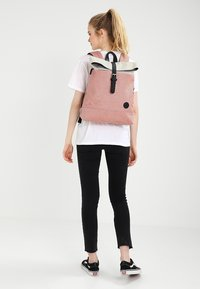 Enter - Rucksack - melange red/natural - 1