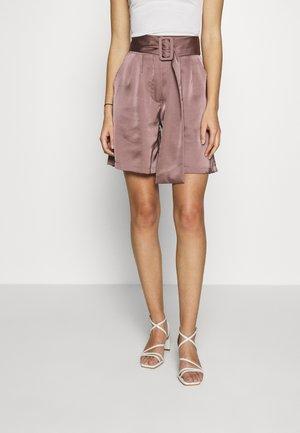 HIGH WAIST BELTED - Shorts - mocha