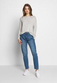 JDY - JDYTYSON LIFE GIRLFRIEND - Relaxed fit jeans - light blue denim - 1