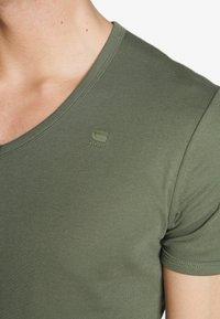 G-Star - BASE V-NECK T S/S 2-PACK - T-shirt basic - oliv - 5