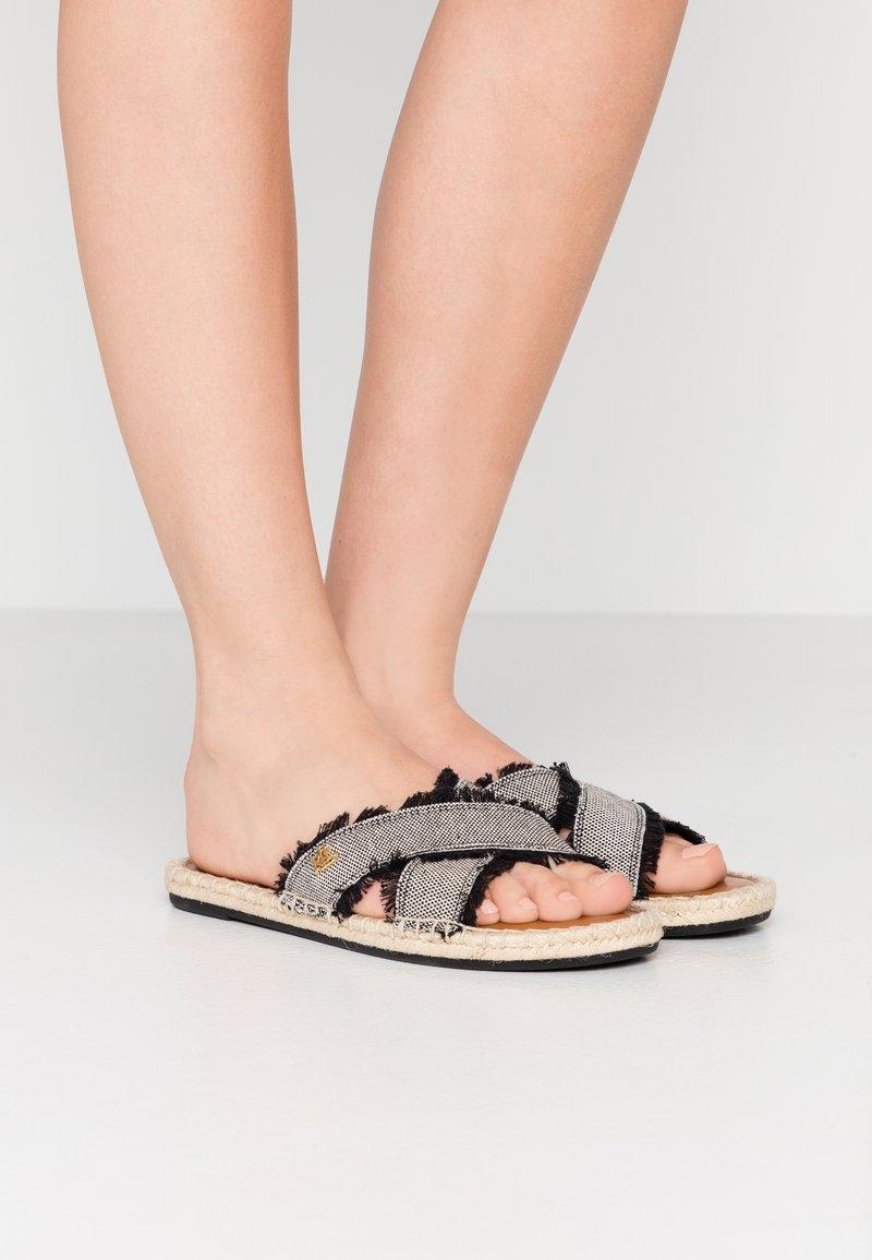 Lauren Ralph Lauren - CROSS - Pantofle - black