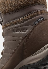 Hi-Tec - RIVA MID WP - Snowboot/Winterstiefel - dark brown/beige - 5