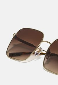 Burberry - Solglasögon - light gold - 4