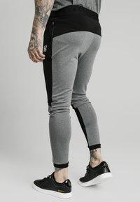 SIKSILK - ENDURANCE TRACK PANTS - Pantaloni sportivi - grey/black - 2