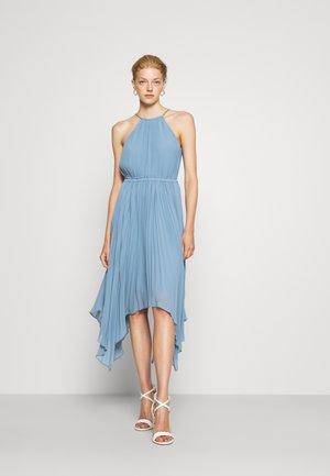 HALTER CHAIN - Sukienka koktajlowa - light blue