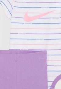 Nike Sportswear - STRIPE BODYSUIT SET - Body - violet star - 2
