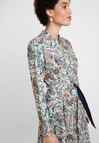 Ivko - DRESS FLORAL PATTERN PRINT - Shirt dress - off-white - 3