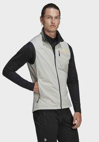 adidas Performance - TERREX AGRAVIC XC - Waistcoat - grey - 7