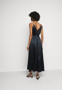 Club Monaco - DOUBLE SLIP DRESS - Pouzdrové šaty - navy - 2