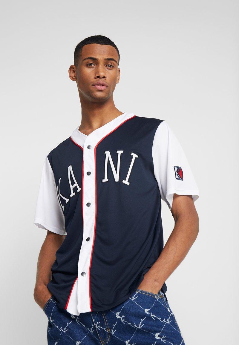 Karl Kani - COLLEGE BASEBALL SHIRT - Shirt - navy/white/red
