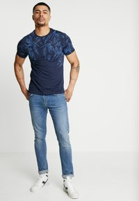 Pier One - Print T-shirt - blue - 1