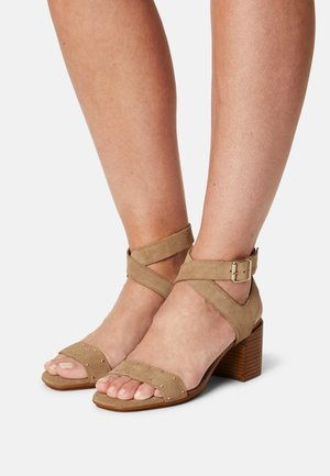 MELLIE - Sandals - sable