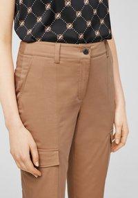 comma casual identity - Cargo trousers - caramel - 3