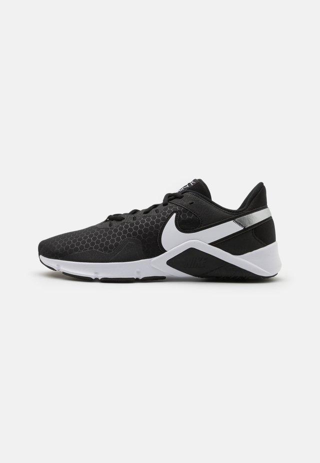 LEGEND ESSENTIAL 2 - Chaussures d'entraînement et de fitness - black/white/anthracite