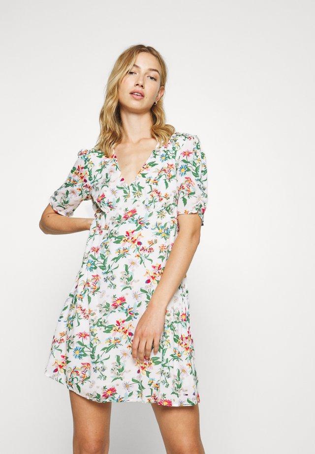 SUMMER FITFLARE DRESS - Kjole - hawaii