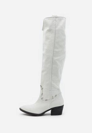 Kozačky nad kolena - bianco