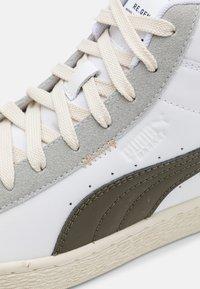 Puma - BASKET MID XXI RE.GEN UNISEX - High-top trainers - white/grape leaf - 3
