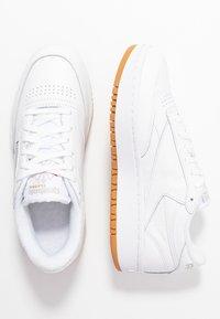 Reebok Classic - CLUB C DOUBLE - Sneakersy niskie - white - 5