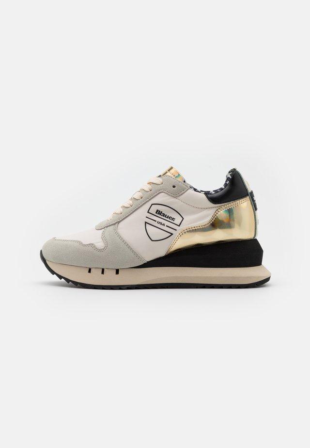 Sneakers laag - cream