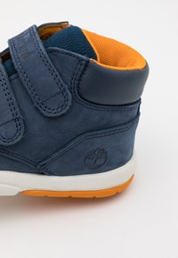 Timberland - TODDLE TRACKS - Zapatillas altas - navy - 5