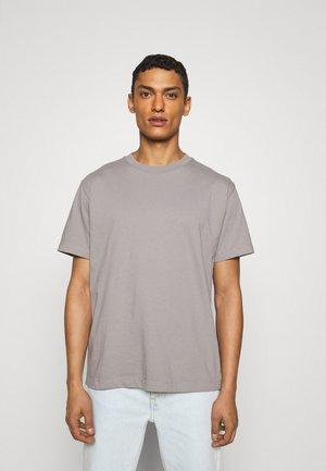 RELAXED TEE - Basic T-shirt - blue