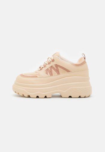 VEGAN NAYA - Sneakers basse - beige