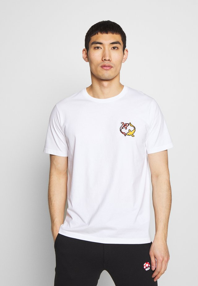 KOI CARPS SMALL - Print T-shirt - white