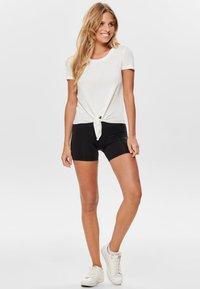 ONLY - ONLARLI  - T-shirt z nadrukiem - white - 1