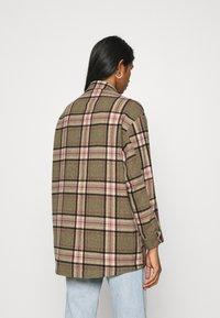 ONLY - ONLELLENE VALDA CHACKET - Summer jacket - balsam green/pink/black - 2