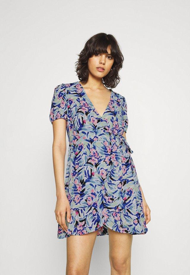 ONLALBERTA WRAP DRESS - Sukienka letnia - dazzling blue
