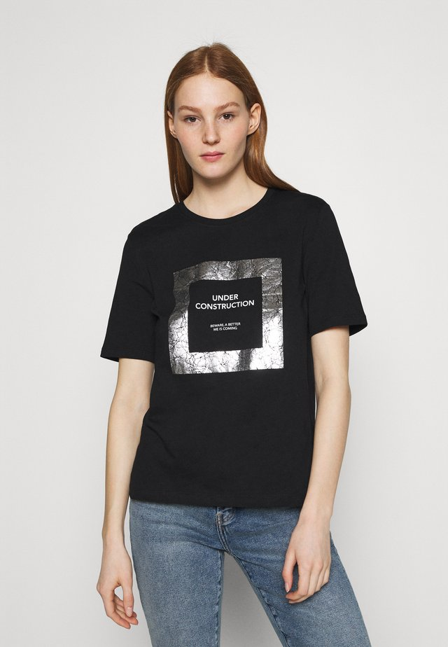ONLIVY - T-shirt con stampa - black/construction with silver