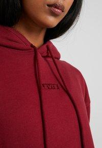 Levi's® - UNBASIC HOODIE - Hoodie - warm cabernet - 5