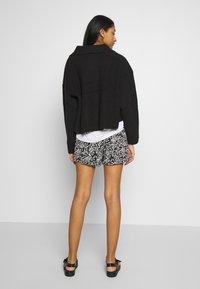 Le Temps Des Cerises - IRIS - Shorts - black - 2