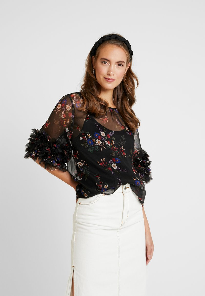 Vince Camuto - RUFFLE COUNTRY BOUQUET BLOUSE - Bluser - rich black